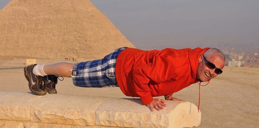 plank pose - Andre